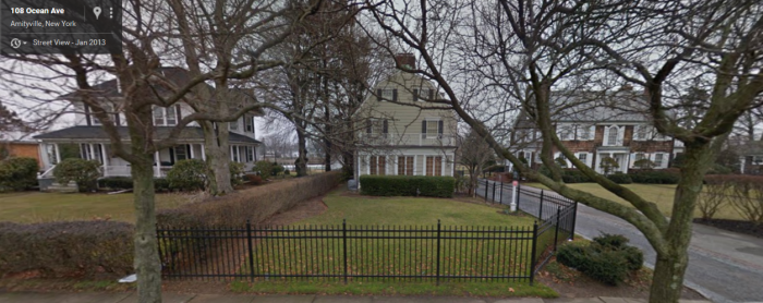 amityville-house2.png