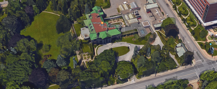 billy-madisons-mansion-exterior.png