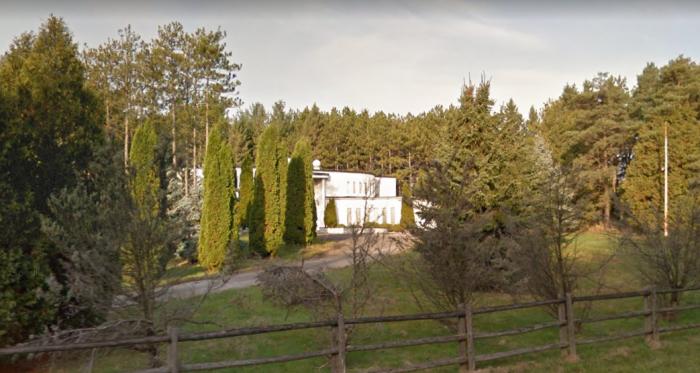 abandoned-drug-dealer-mansion-sv.PNG