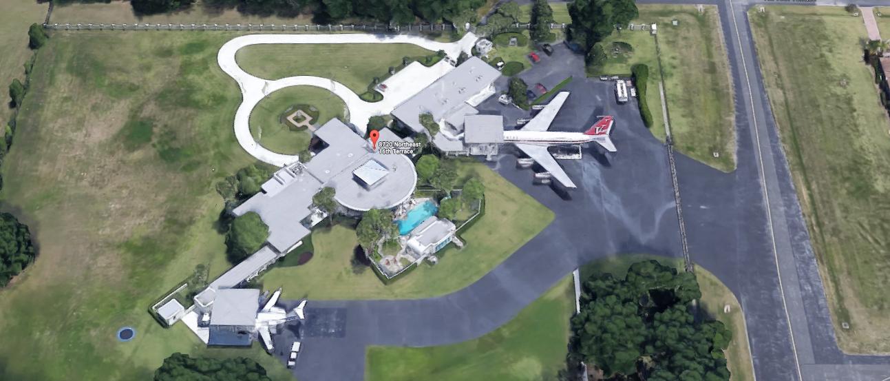 Pictures Of John Travolta House
