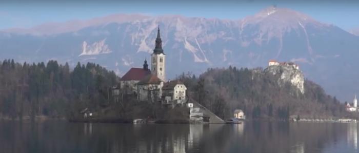 lake-bled-castle-yt.png