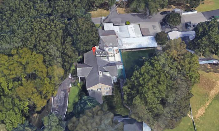 elvis-presleys-graceland-mansion.PNG