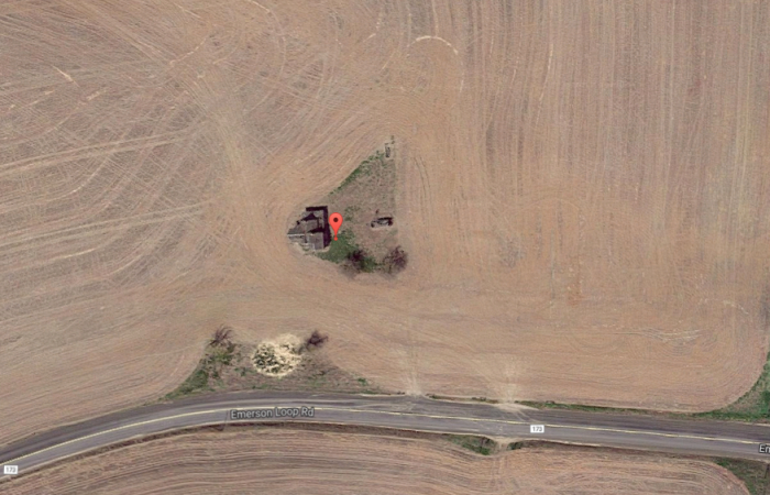 house-in-the-middle-of-nowhere-oregon.PNG