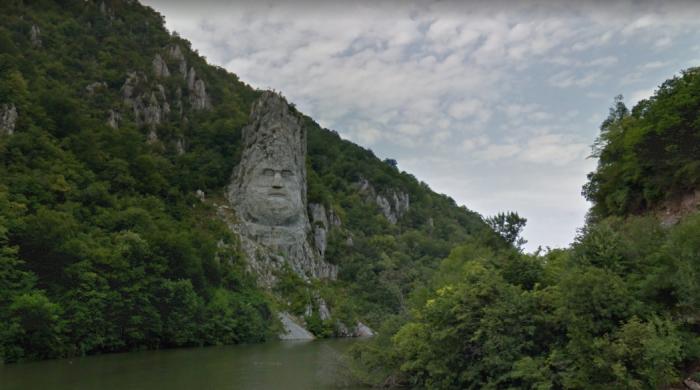romania-rock-sculpture-sv